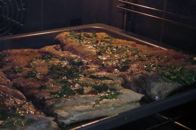 Paso 3 de Costilla de cerdo asada con salsa chimichurri