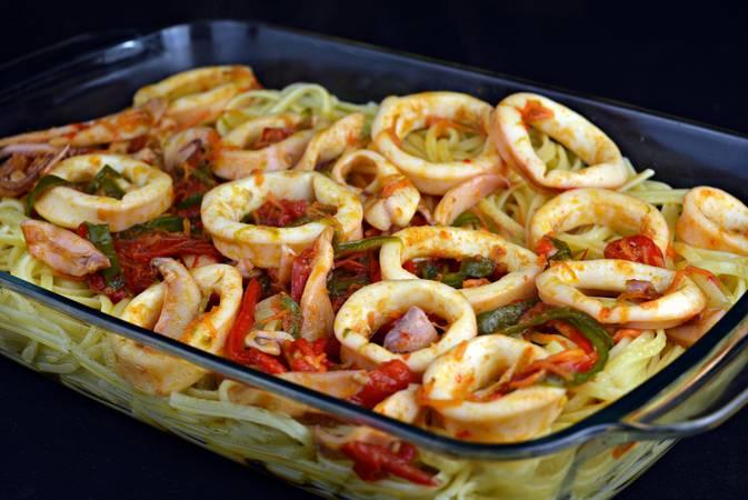 Paso 6 de Tallarines con calamares y verduras