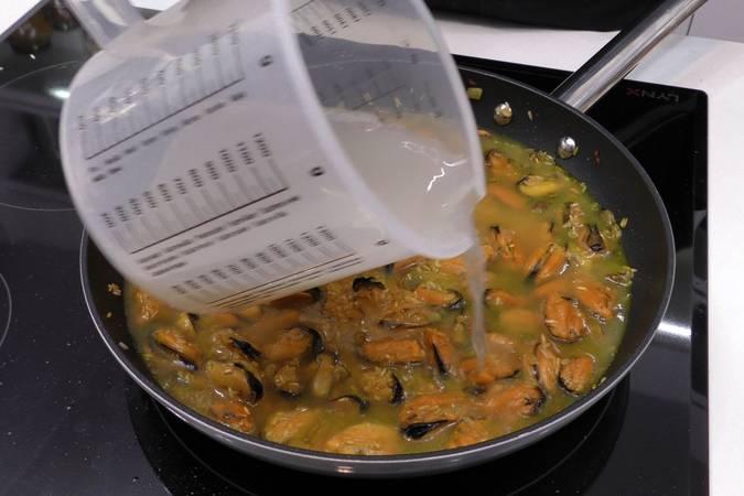 Paso 5 de Arroz con mejillones para dieta