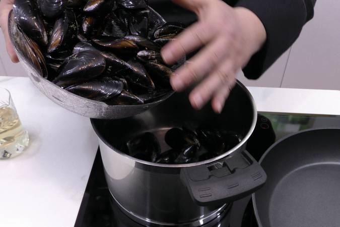 Paso 1 de Cómo cocer mejillones