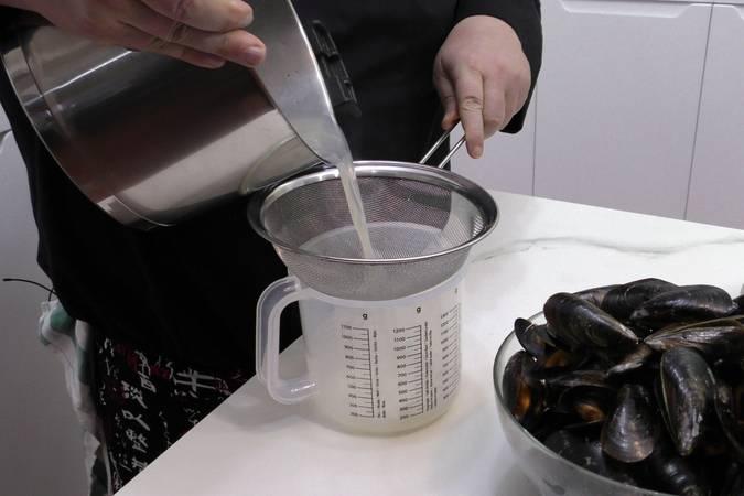 Paso 3 de Cómo cocer mejillones