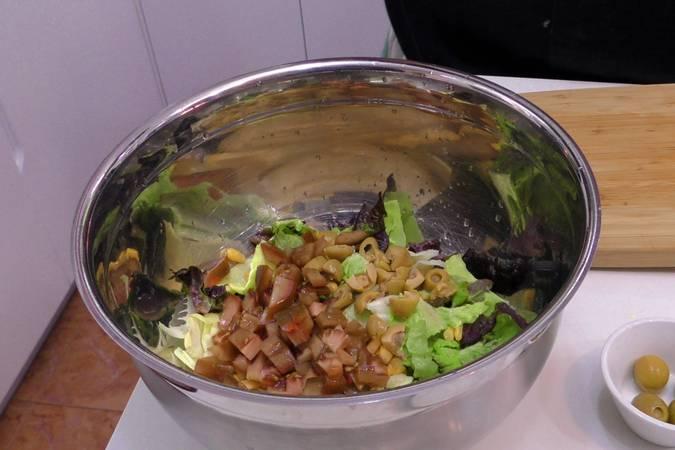 Paso 2 de Ensalada de mango y langostinos