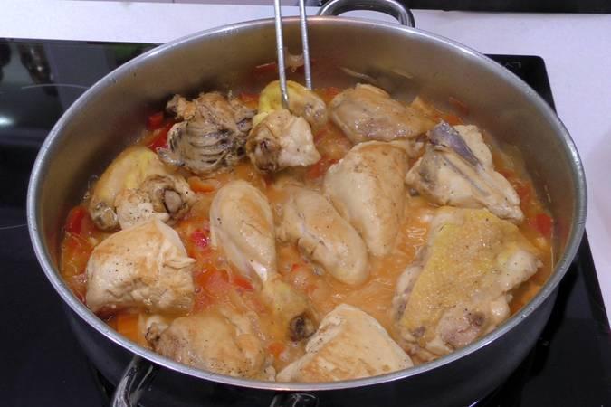 Paso 4 de Receta de pollo al chilindrón, receta riojana
