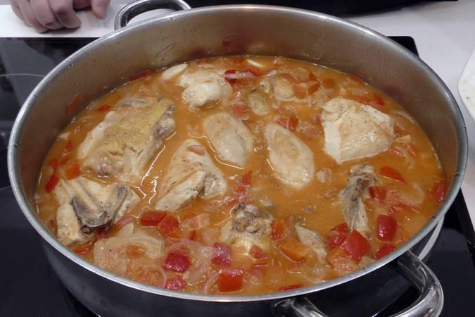 Paso 5 de Receta de pollo al chilindrón, receta riojana