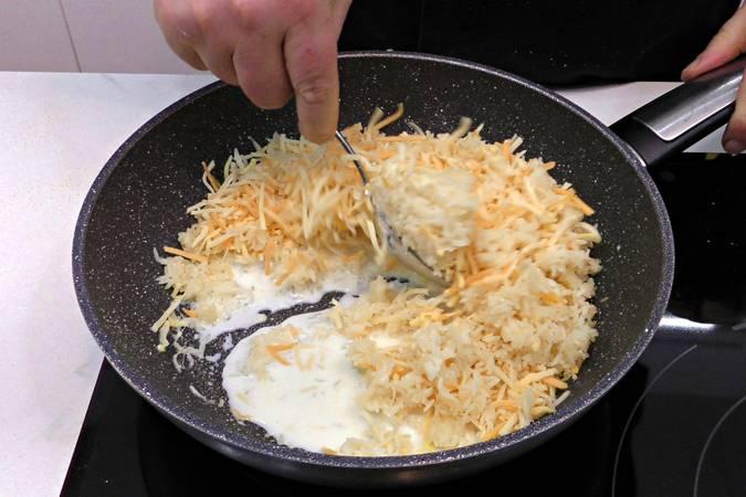 Paso 4 de Como hacer croquetas caseras de arroz y queso parmesano