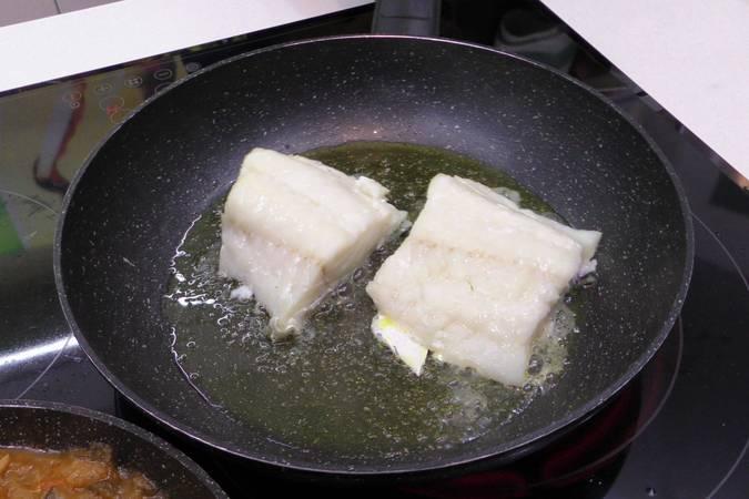 Paso 4 de Bacalao con samfaina de verduras