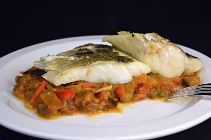 Paso 5 de Bacalao con samfaina de verduras