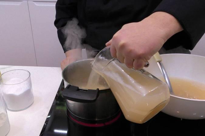 Paso 3 de Albóndigas de arroz y gambas en salsa picante