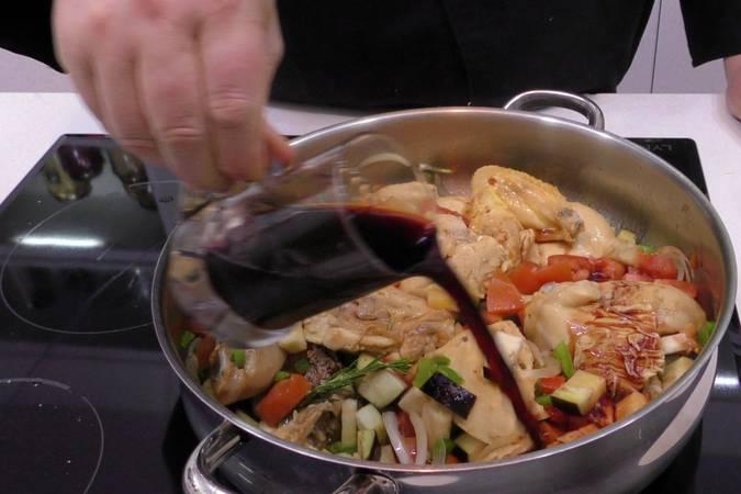 Paso 3 de Receta de pollo a la cazadora, receta tradicional
