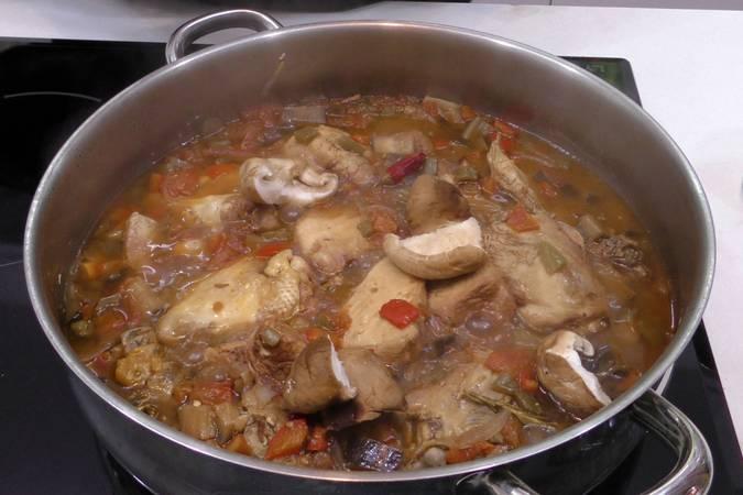 Paso 4 de Receta de pollo a la cazadora, receta tradicional