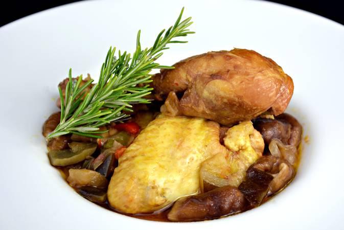 Paso 5 de Receta de pollo a la cazadora, receta tradicional