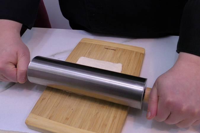 Paso 1 de Rollos de pan de molde con jamón y queso