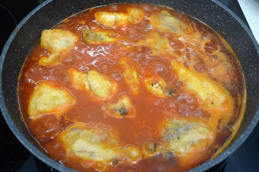 Paso 5 de Receta de pollo al ajillo con salsa de tomate