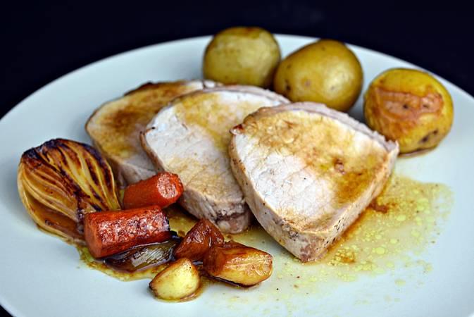 Paso 6 de Lomo de cerdo al horno con salsa de vino Oporto