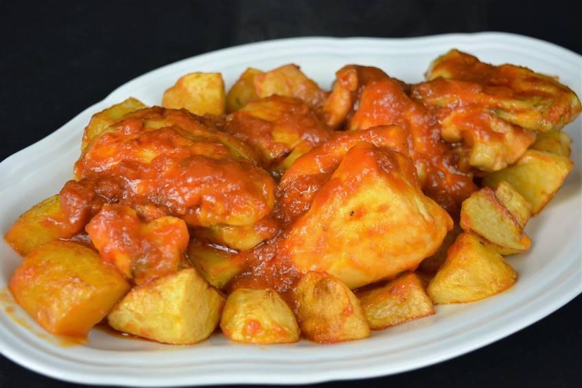 Paso 7 de Receta de pollo al ajillo con salsa de tomate