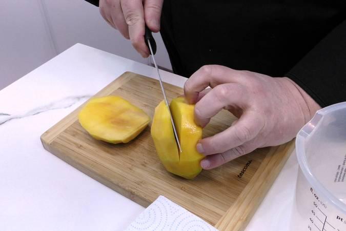 Paso 4 de Tarta helada de Mango