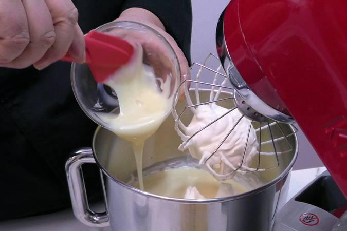 Paso 5 de Tarta helada de Mango