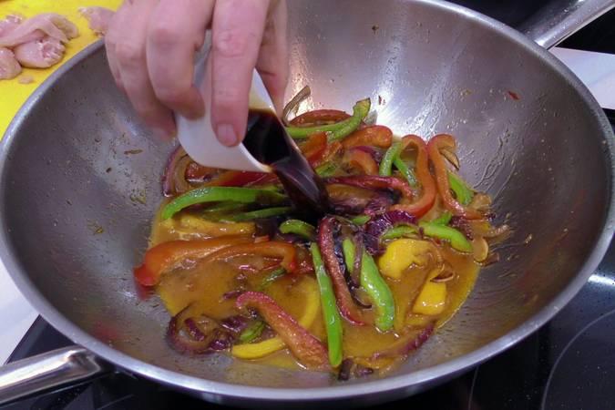 Paso 3 de Receta de pollo al estilo chino con salsa de soja