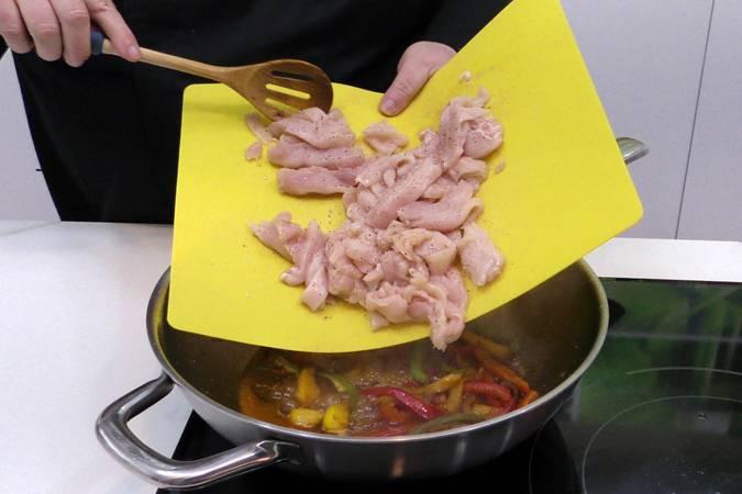 Paso 4 de Receta de pollo al estilo chino con salsa de soja