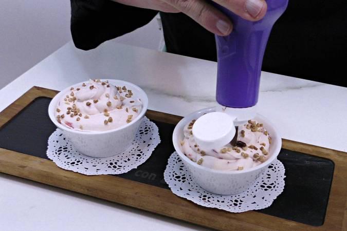 Paso 10 de Mousse de fresa y chocolate blanco