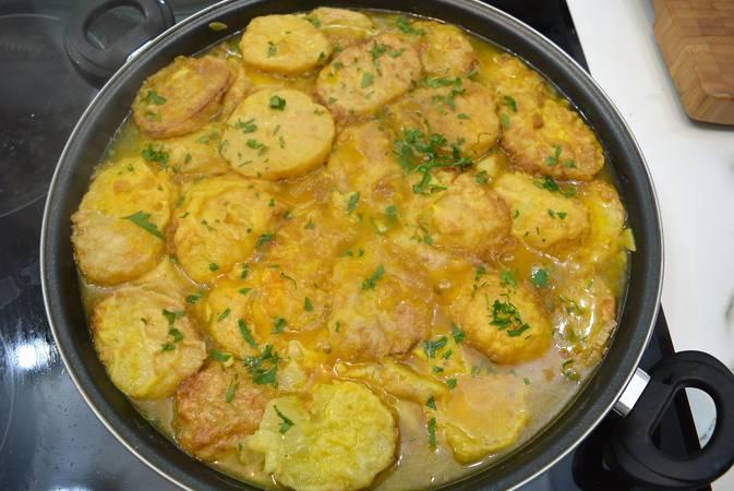 Paso 5 de Patatas rebozadas también llamadas patatas a la importancia