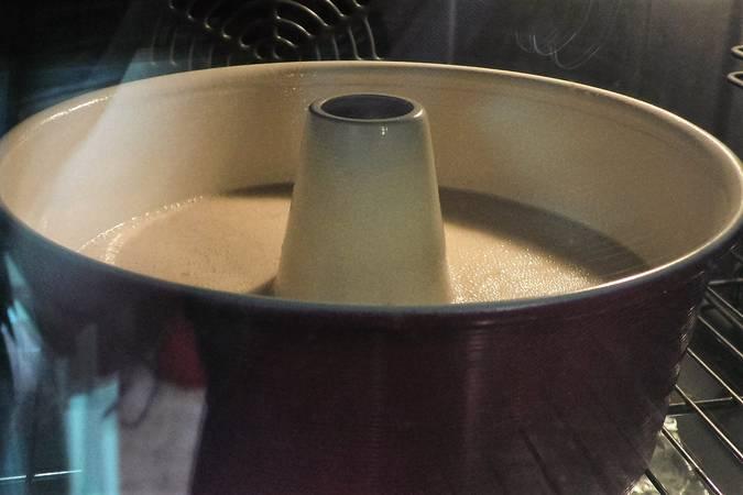 Paso 5 de Bizcocho de leche condensada con truco