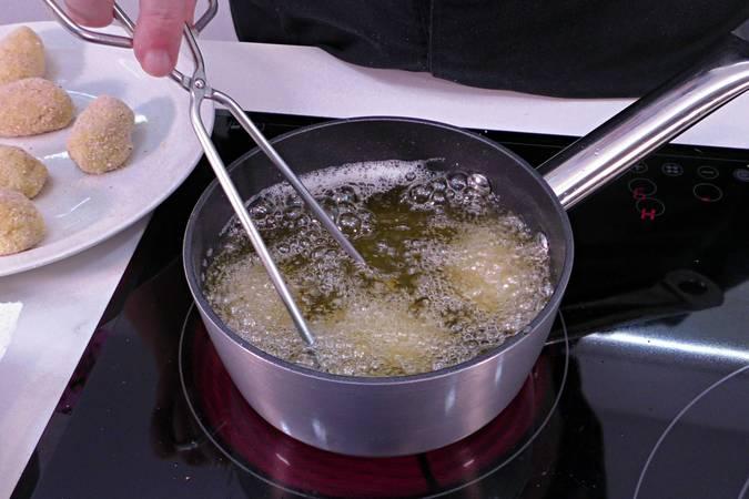 Paso 5 de Croquetas de queso muy cremosas