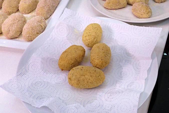 Paso 6 de Croquetas de queso muy cremosas