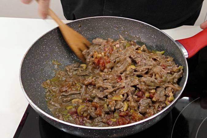 Paso 4 de Empanada de carne al estilo americano