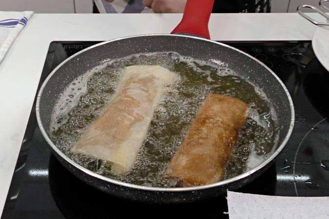 Paso 8 de Rollitos de primavera de pollo y verduras