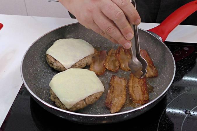 Paso 5 de Hamburguesa campera con pan casero