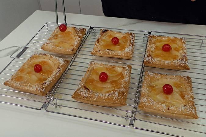 Paso 7 de Receta para hacer pasteles de manzana y crema pastelera