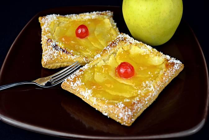 Ya hemos terminado los pasteles de manzana y crema