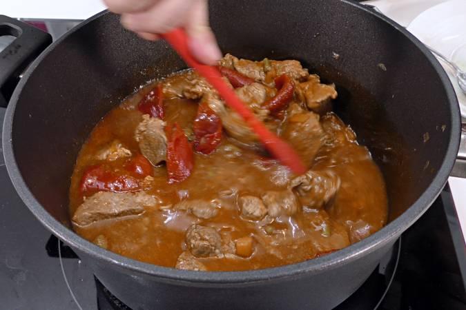 Paso 6 de Estofado de cordero con verduras