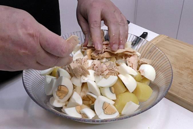 Paso 2 de Ensalada de patata con salsa tártara