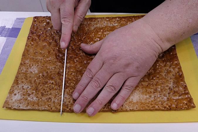 Paso 7 de Tarta de hojaldre con frambuesas