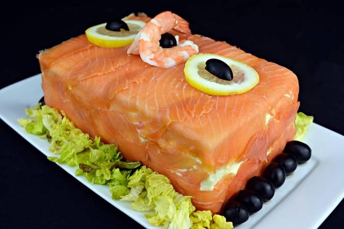 Paso 5 de Pastel de marisco y salmón ahumado con pan de molde