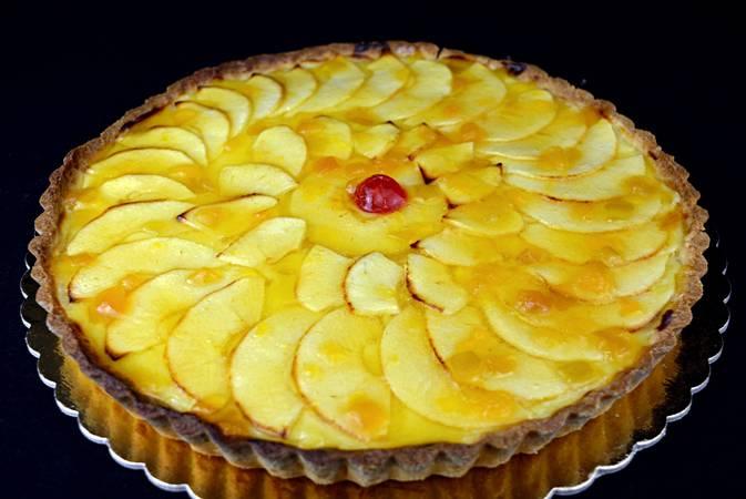Paso 10 de Tarta de manzana sobre crema de chocolate blanco