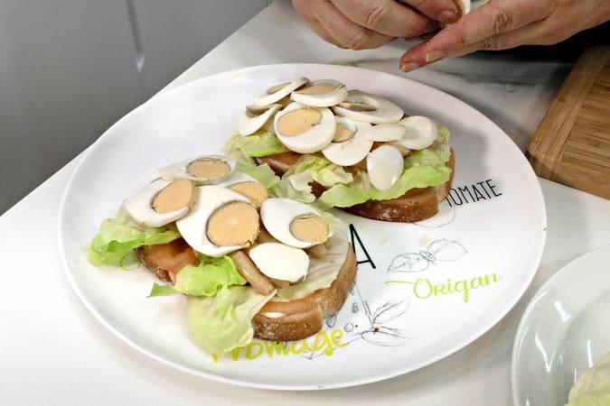 Paso 3 de Cómo hacer un sándwich completo