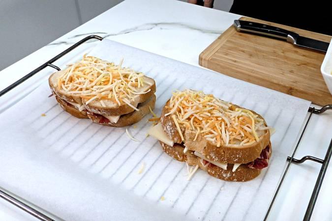 Paso 5 de Cómo hacer un sándwich completo