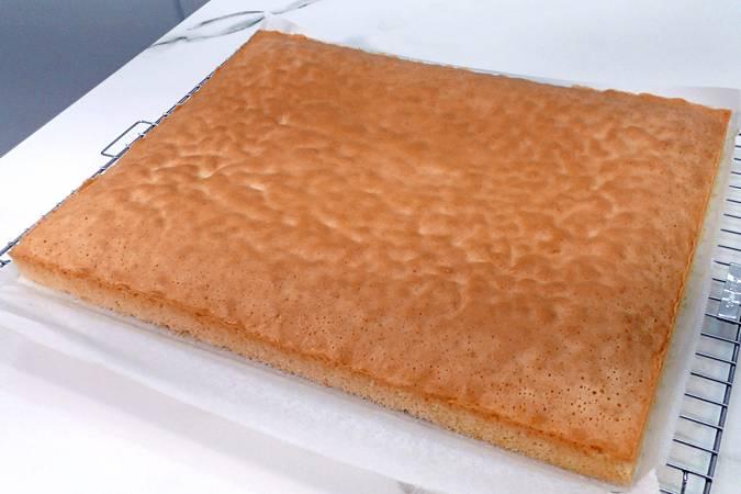 Paso 5 de Plancha de bizcocho especial para hacer tartas