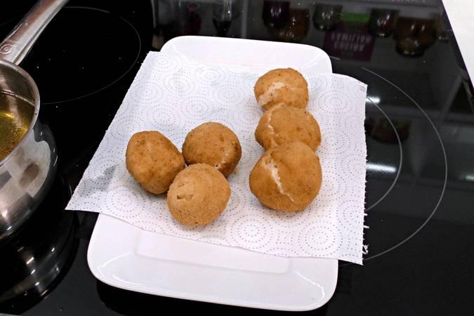 Paso 7 de Croquetas rellenas con huevo cocido