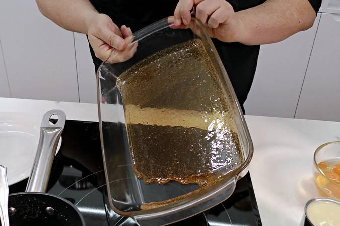 Paso 1 de Volteado de manzana muy esponjoso