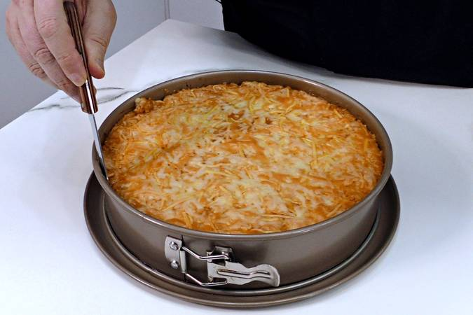 Paso 10 de Pastel de pollo y patata gratinado con 4 quesos