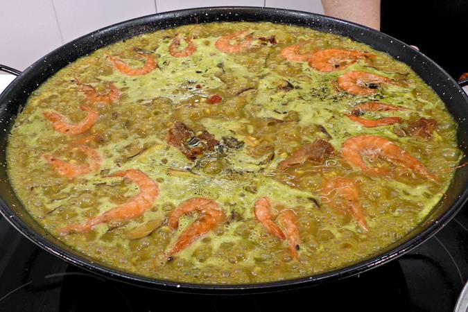 Paso 7 de Paella de arroz mar y montaña