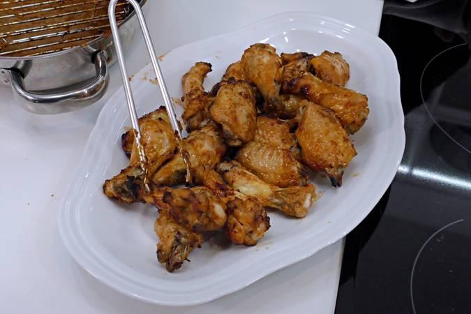 Paso 4 de Alitas de pollo con salsa barbacoa casera BBQ