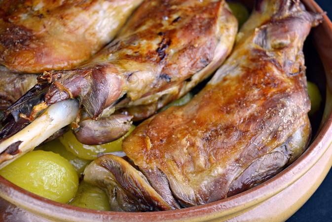 Paso 7 de Paletilla de cordero asado con patatas