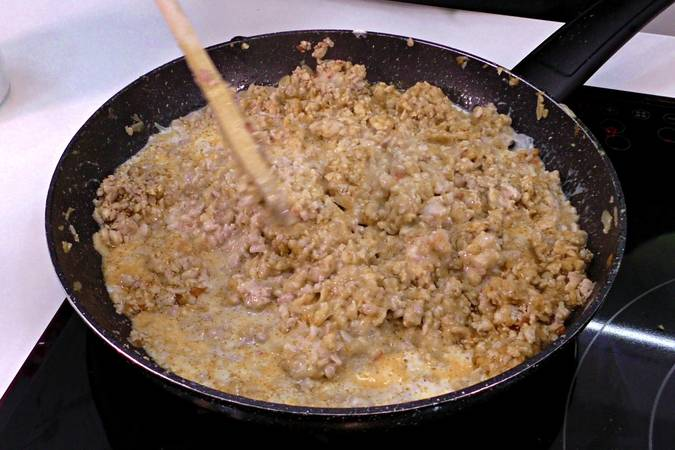 Paso 3 de Canelones de pollo gratinados