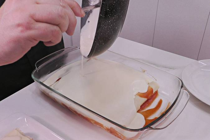 Paso 9 de Canelones de pollo gratinados