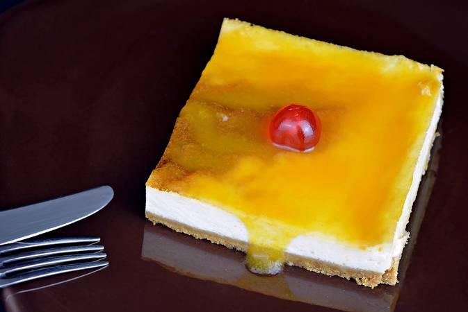 Paso 8 de Tarta de queso fácil para 24 personas